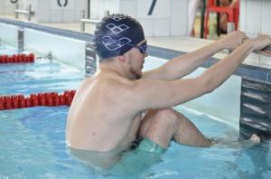Adam Riečičiar štartuje disciplínu 50 m znak