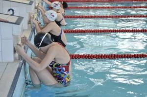 Naše dievčatá štartujú 100 m znak